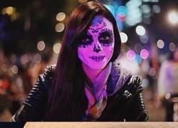 Enlace a El Día de los Muertos en Ciudad De México