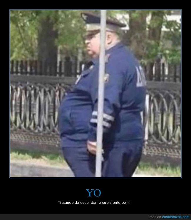 absurdo,esconder,gordo,policía,poste,sentimientos