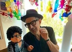 Enlace a Jeff Goldblum y el Dr. Ian Malcolm