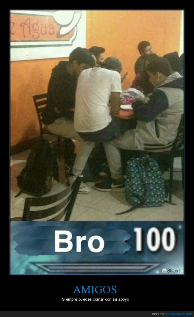 amigos,piernas,sentado