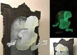 Enlace a El fantasma que sale del cuadro