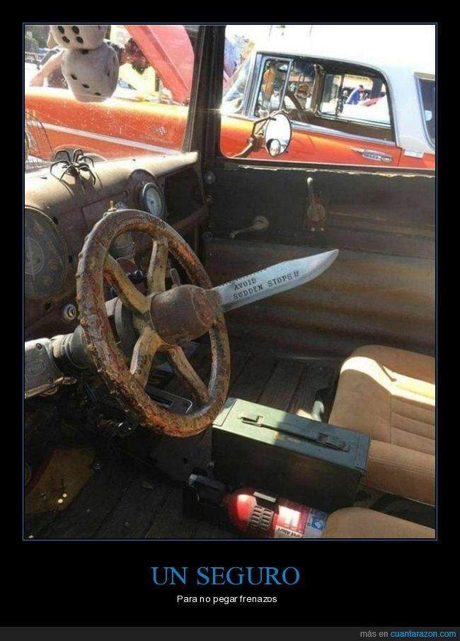 coche,cuchillo,volante