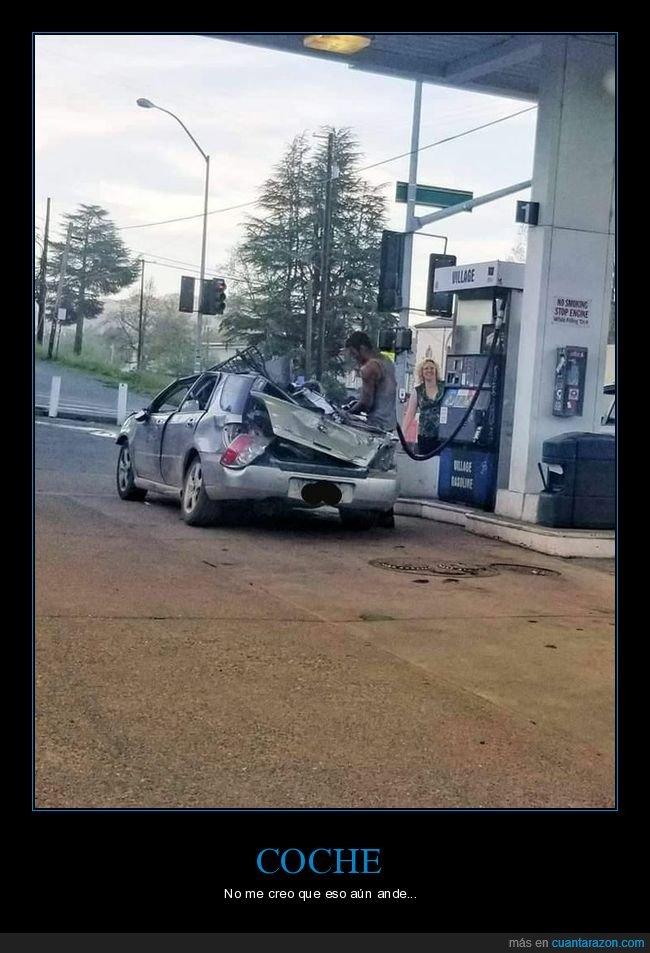 coche,destrozado,gasolinera