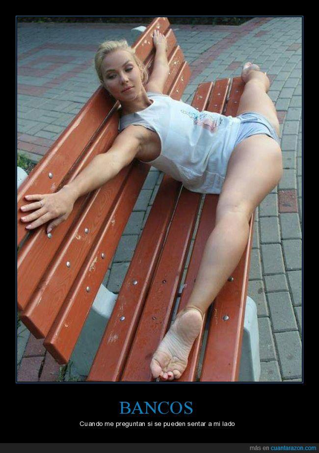 abierta de piernas,banco,sentarse