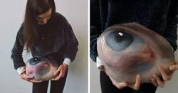 Enlace a Esta artista recoge piedras, les pinta ojos y las devuelve a su entorno para que sean encontradas o se pierdan