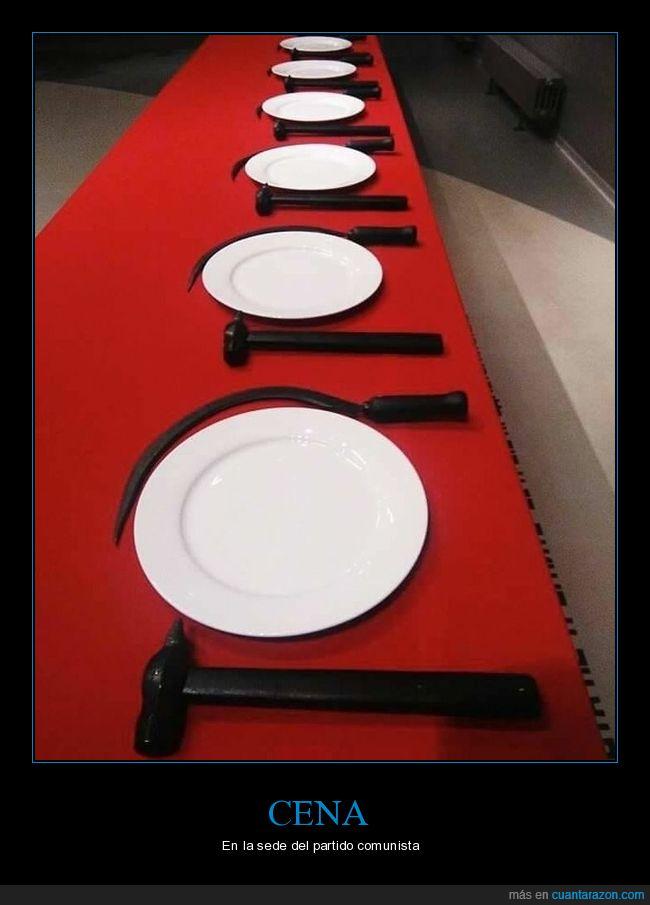 comunista,cubiertos,hoz,martillo,mesa