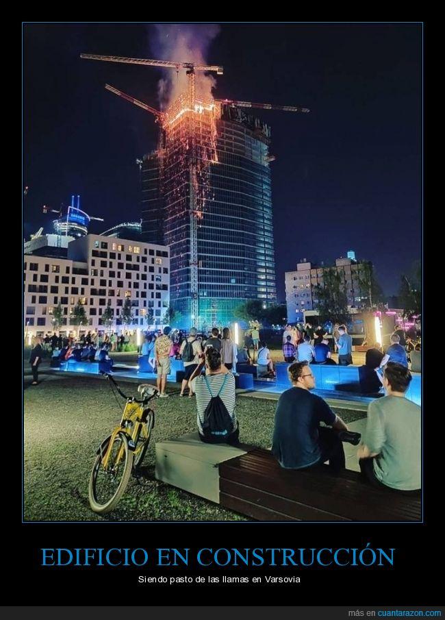 edificio,incendio,varsovia