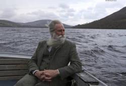 Enlace a Adrian Shine, líder del Proyecto Lago Ness.