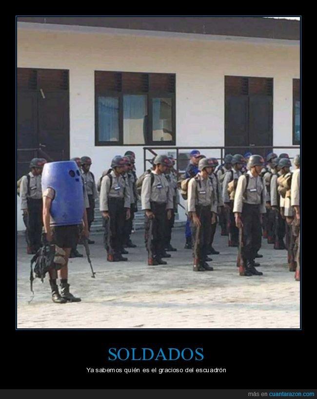 cubo,soldados,wtf