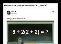 Enlace a ¿Puedes resolverlo? Esta simple ecuación matemática se ha vuelto viral porque la gente no se pone de acuerdo en el resultado correcto