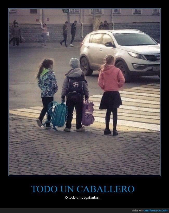 llevando,mochilas,niñas,niños