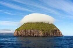 Enlace a Isla con sombrero