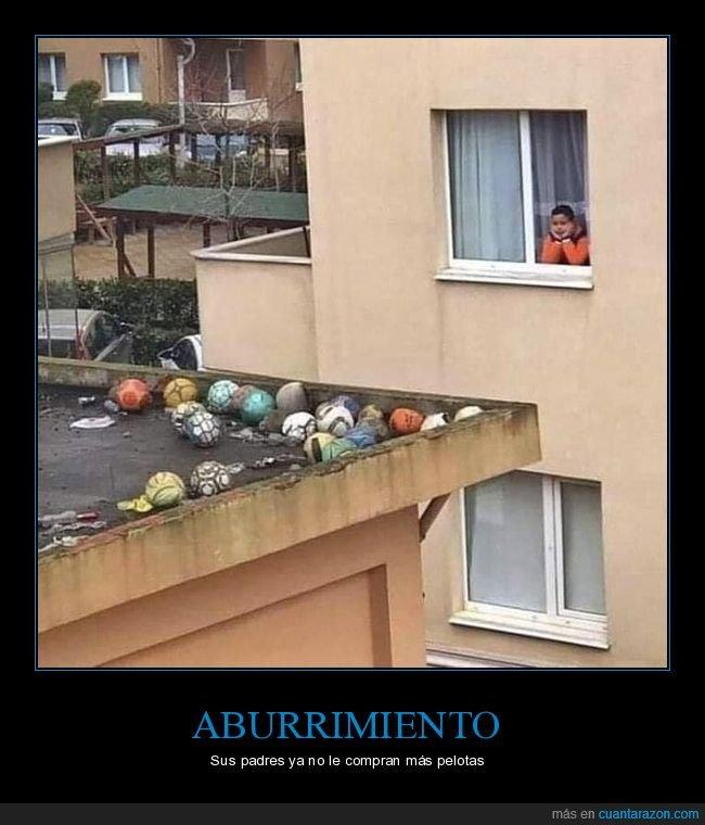 niño,pelotas,tejado,ventana