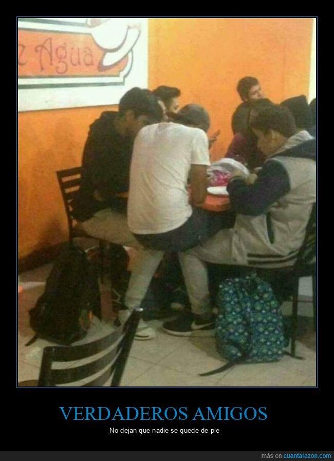 mesa,sentado,silla,wtf