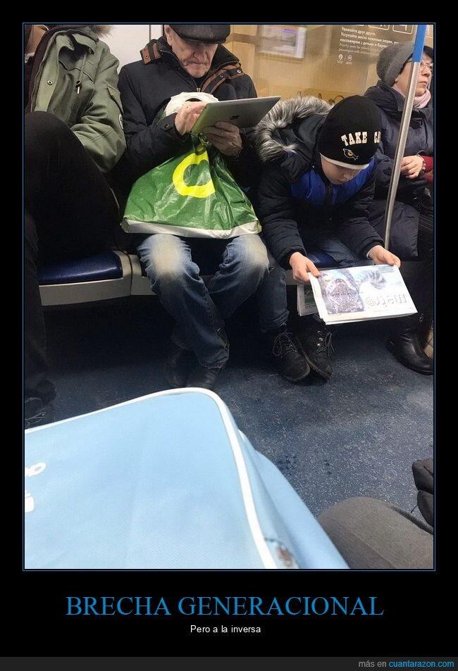 abuelo,niño,periódico,tablet,wtf