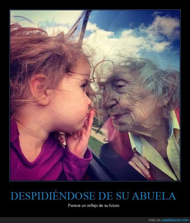 abuela,niña,reflejo