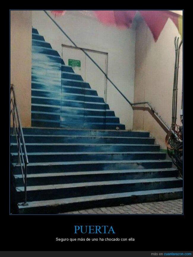 escaleras,puerta,wtf