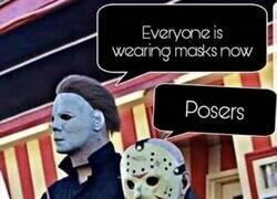 Enlace a Ahora las máscaras son mainstream