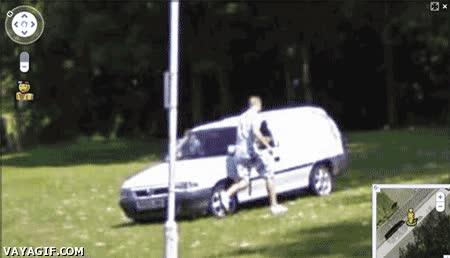 Enlace a Corre, que viene el coche de Google street view