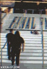 Enlace a Es una forma como otra cualquiera de bajar escaleras