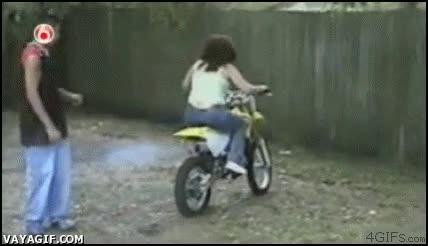Enlace a Aprendiendo a montar en moto