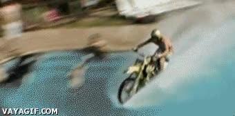 Enlace a Motocross sobre agua