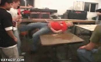 Enlace a Acrobacias en la mesa