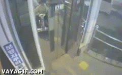 Enlace a Como coger el ascensor sin esperarlo