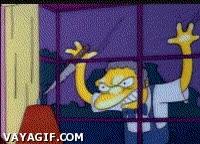 Enlace a Moe follándose una ventana