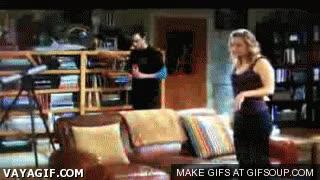 Enlace a Sheldon Cooper y su dinero bien protegido