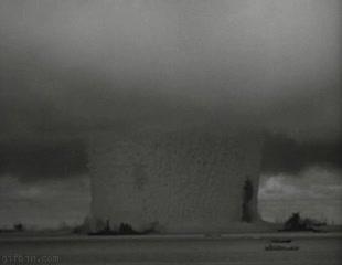 Enlace a Explosión nuclear en el mar