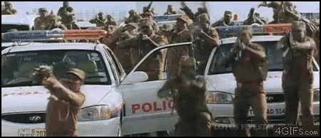 Enlace a Qué hacer si estás rodeado de policías y no llevas armas encima