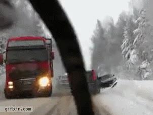 Enlace a Casi accidente de tráfico