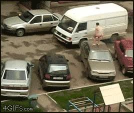Enlace a Nada como saltar desnudo en los coches