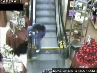 Enlace a Boba vs Escalera mecanica