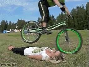 Enlace a Bici vs tetas