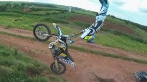 Enlace a Acrobacias en moto