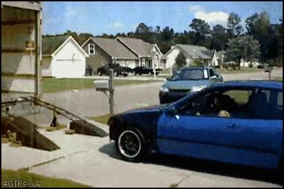 Enlace a Cómo NO meter un coche en un camión