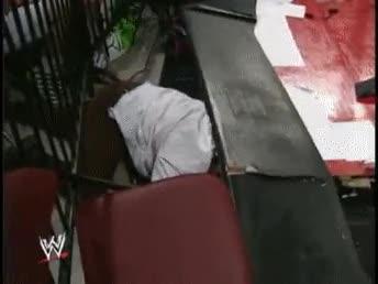 Enlace a ¿Quién decía que en el wrestling no se hacen daño?