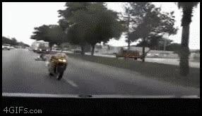 Enlace a ¿Pero este tío no ve los gifs de hostias en moto?