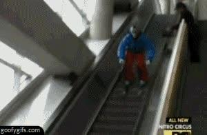 Enlace a La mejor manera de bajar las escaleras mecánicas