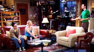 Enlace a Sheldon premia a Penny