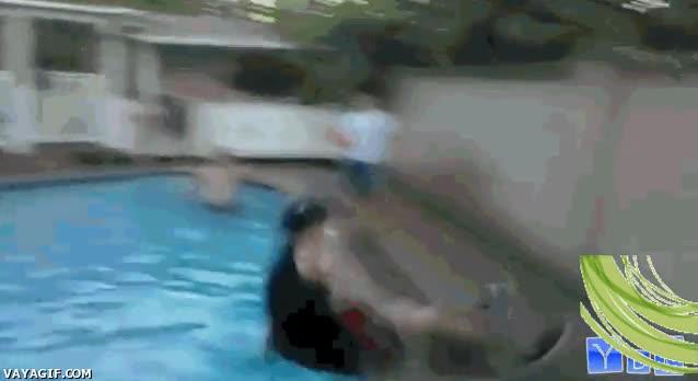Enlace a Hostión y a la piscina