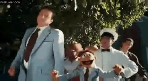 Enlace a Barney con los pitufos y Marshall con los teleñecos