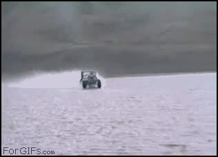 Enlace a Jeep sobre agua