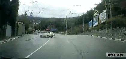 Enlace a Aparcar delante de casa