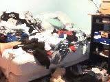 Enlace a Cuando llegas borracho y te das cuenta que tu cama está llena de ropa
