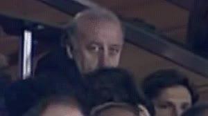 Enlace a Vicente del Bosque celebrando alegremente el gol del Getafe