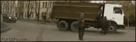 Enlace a En Rusia, tú atropellas a los camiones