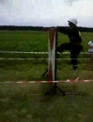 Enlace a Vaya arte saltando vallas